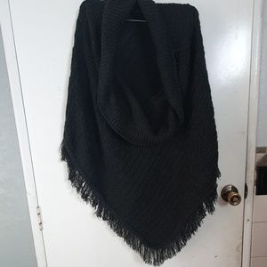 Knitted warm poncho